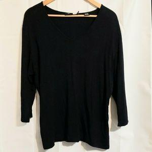 Saks fifth Avenue black 3/4 sleeve v neck top